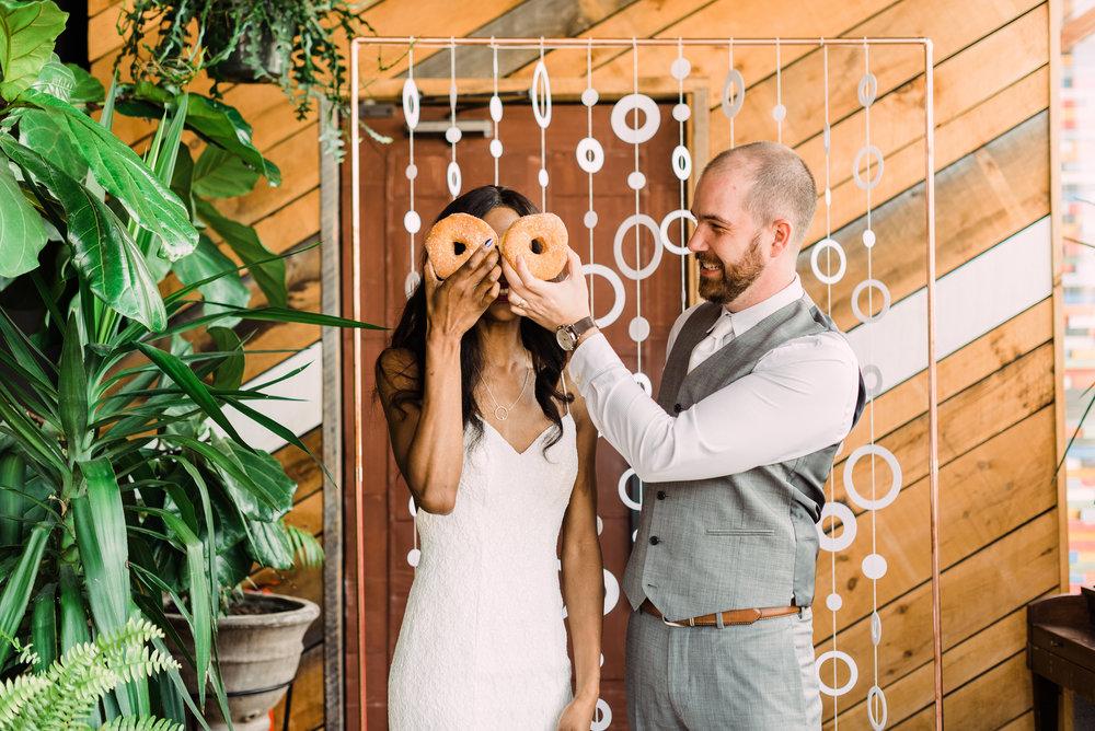 fun non traditional wedding photos