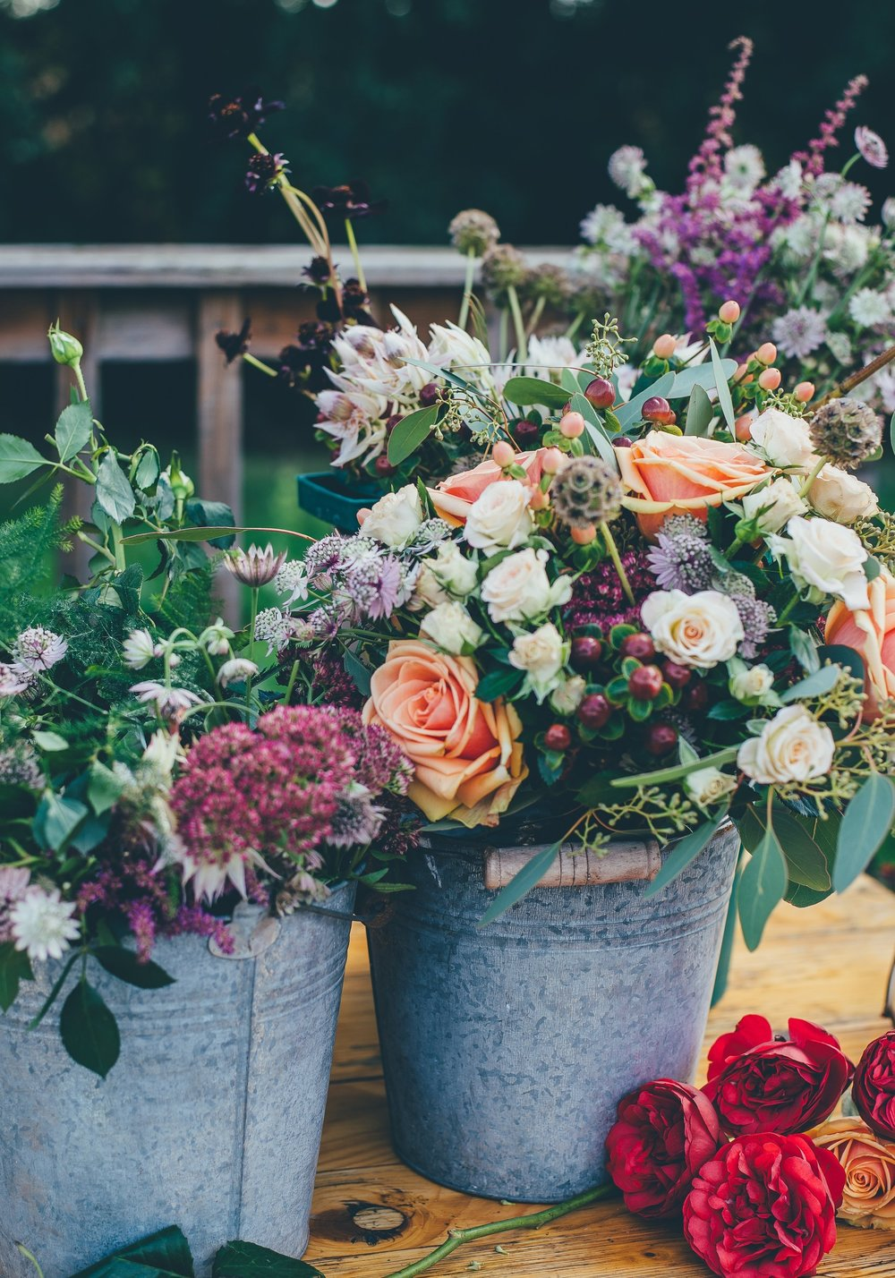 rainbow sherbet summer wedding tips rainbow color wedding flowers