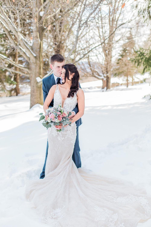 gorgeous couple photo winter outdoor wedding photoshoot