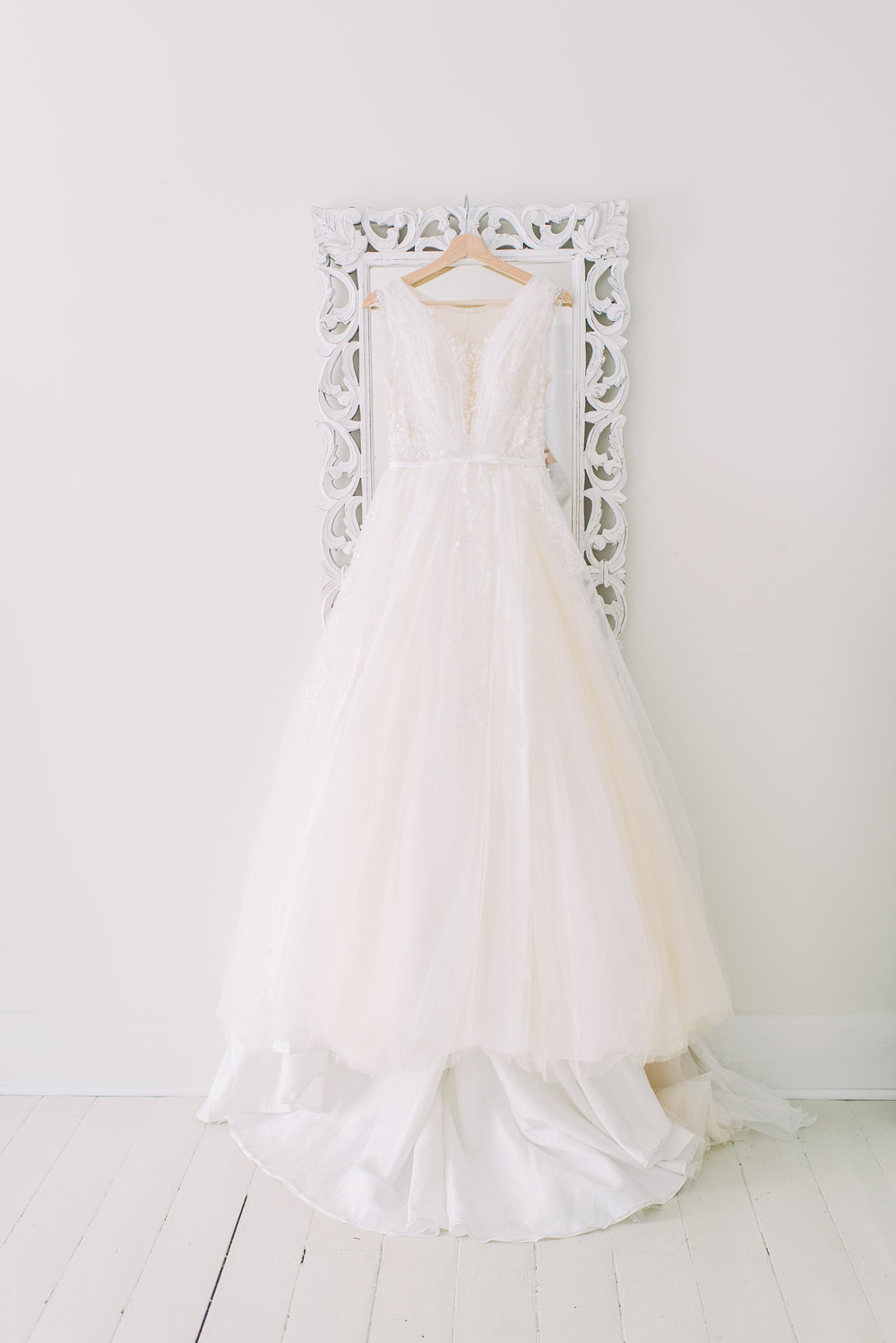 simple clean wedding dress photo perfect wedding dress for playful brides under $1000
