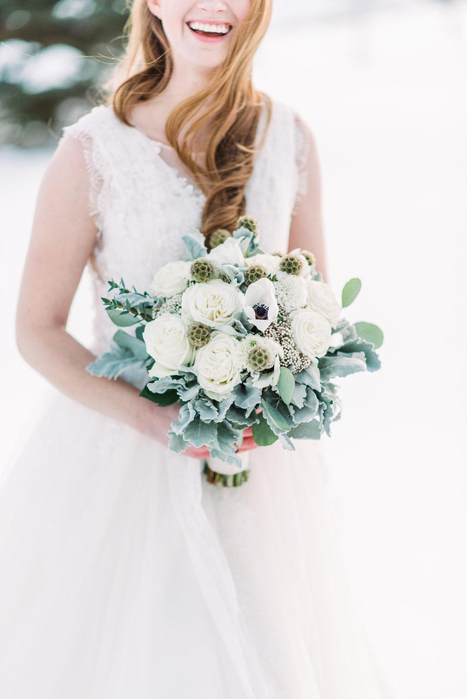 gorgeous winter wedding bouquet