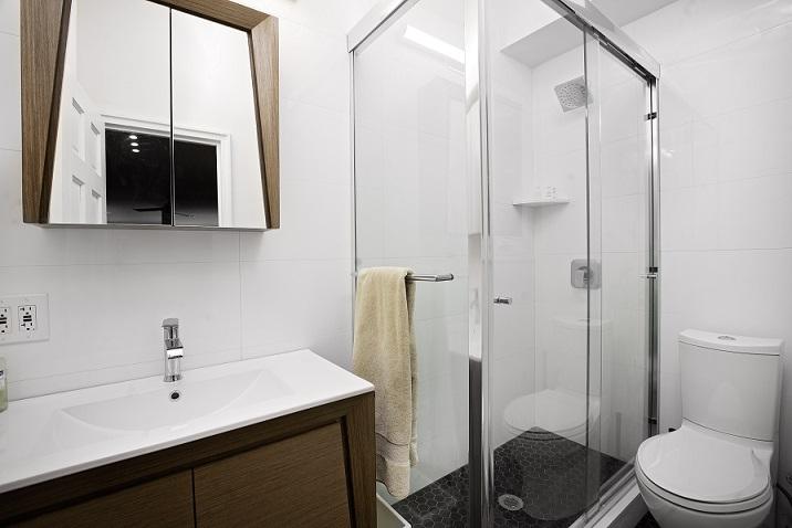 343E51-bath.jpg