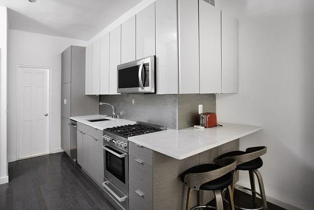343E51-kitchen.jpg