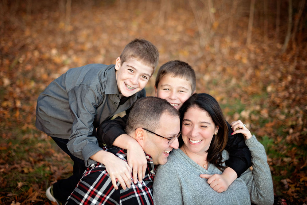 Family-Pictures-ChaseTheGlow-Lancaster-MA.jpg