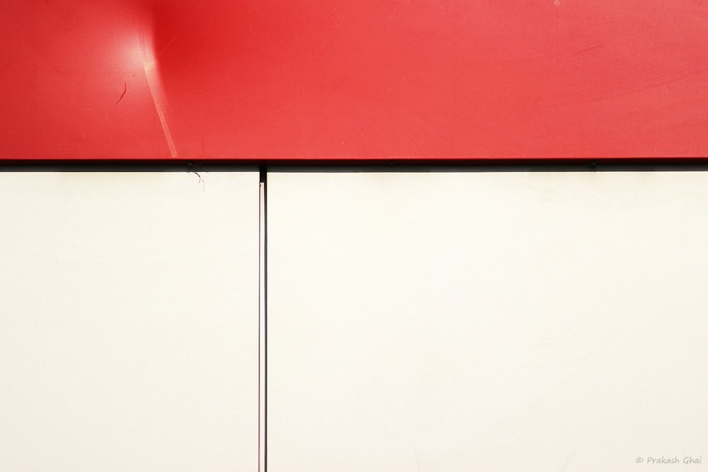 minimalism-minimalist-photography-red-white-wall-lines-hurt-feelings.jpg