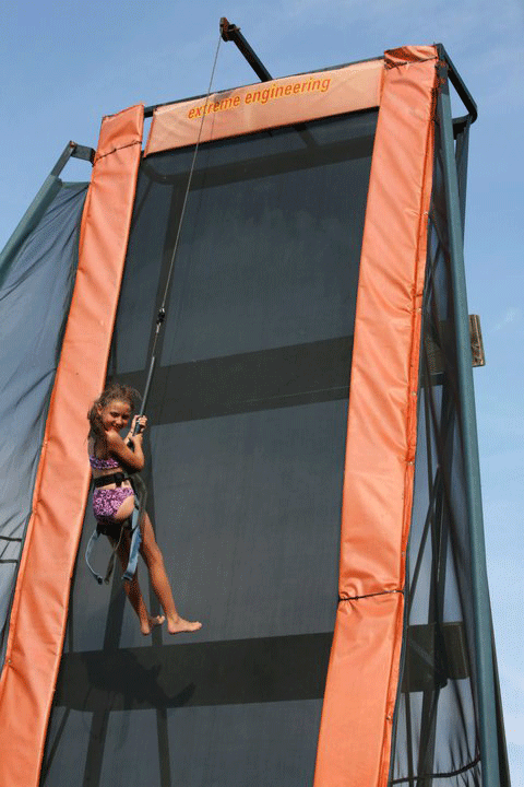 The Wall Rappelling Bounce