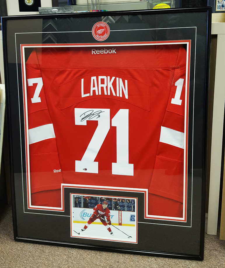 Detroit Red Wings Dylan Larkin Signed Jersey Framed