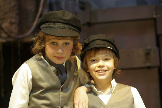 Josh Engstrom / Daniel Russell - Oliver Twist