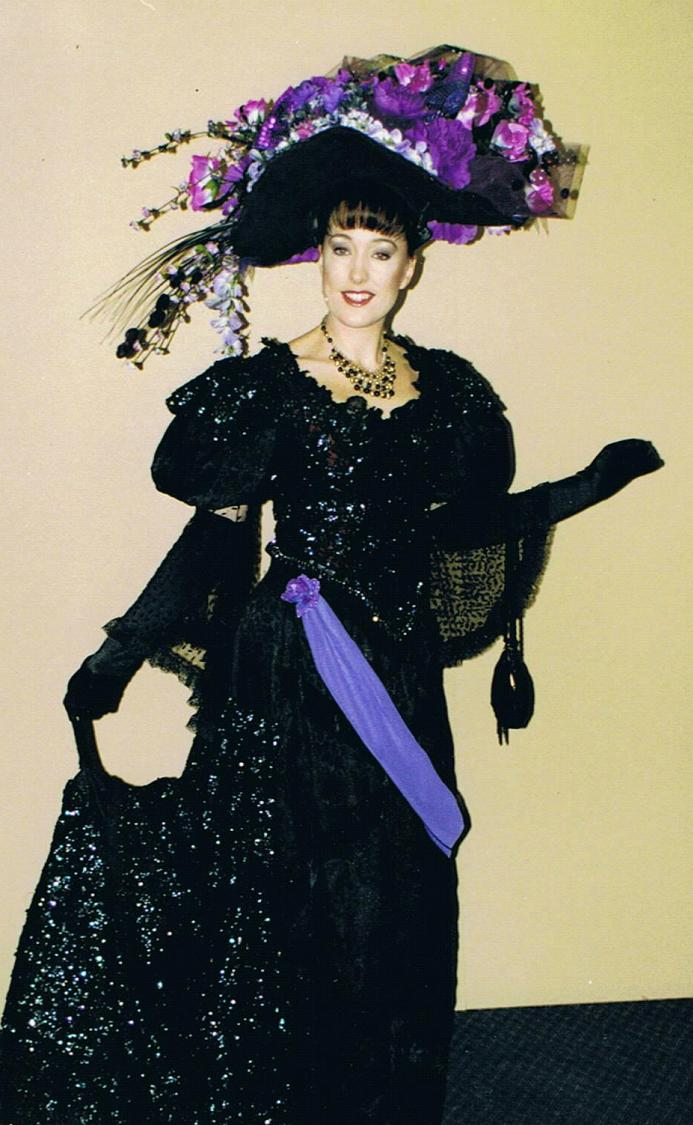 Melinda Middleton as Eliza Doolittle