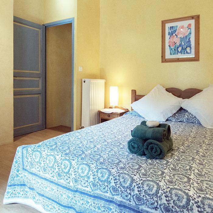 a_mulberry_bedroom.jpg