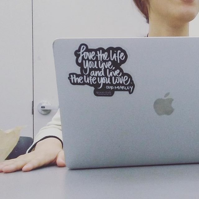 Our #bobmarley sticker seen in the wild! #stickers #stickermule #spoonandforkstudio #quotes #inspirationalquotes #love 📸 by @vonciaociao
