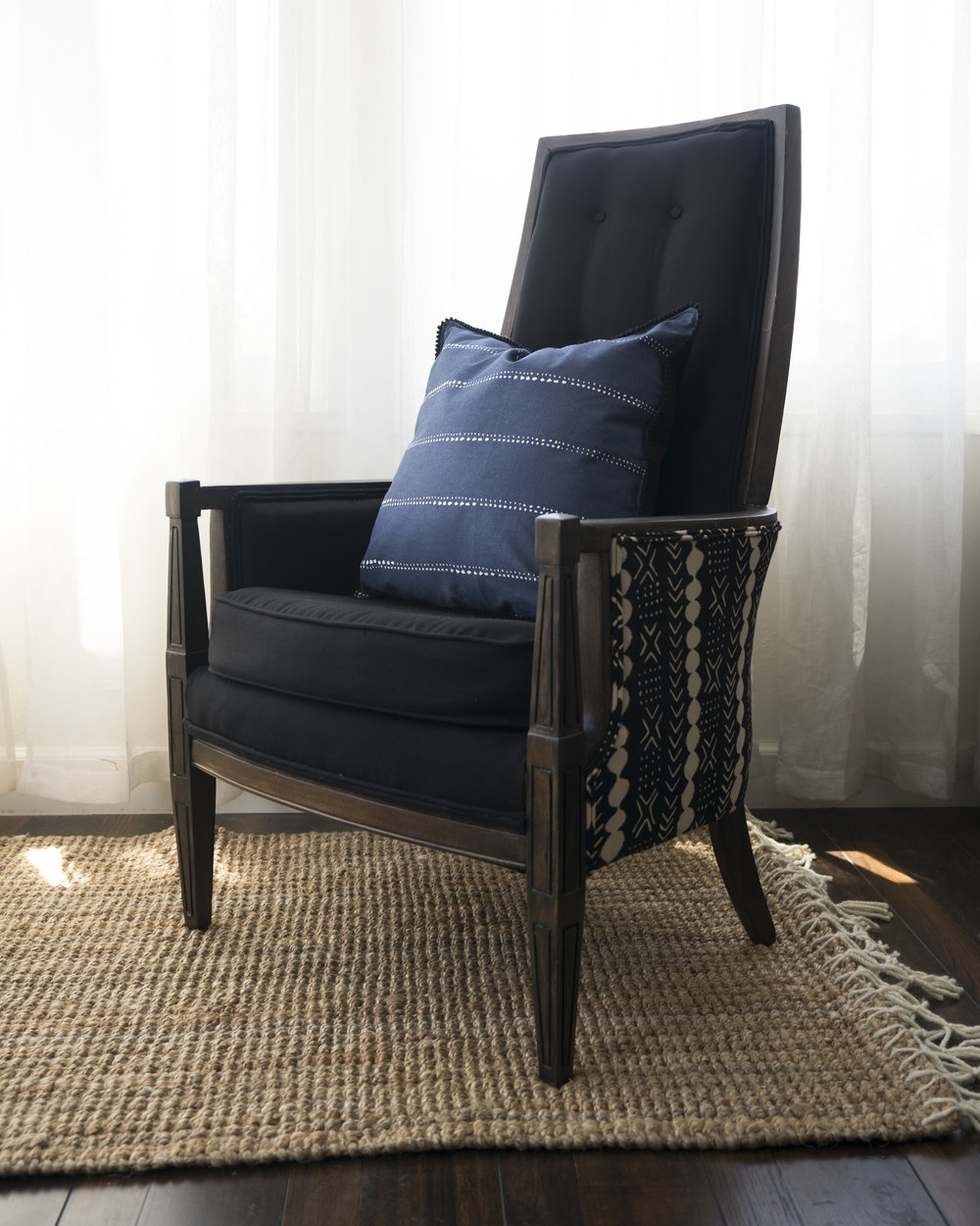 Pebbles armchair