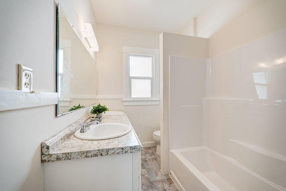 5-bathroom_preview.jpeg