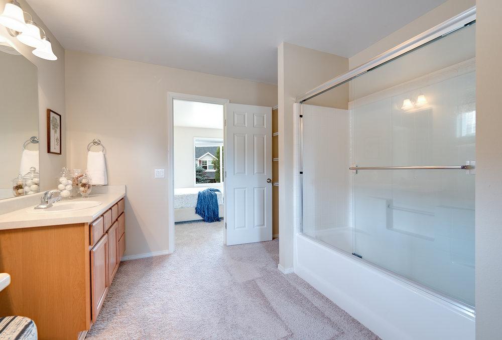 7c-master-bath-to-bed.jpg
