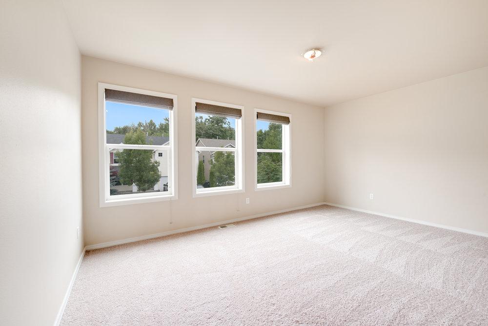 8a-bonus-bedroom.jpg