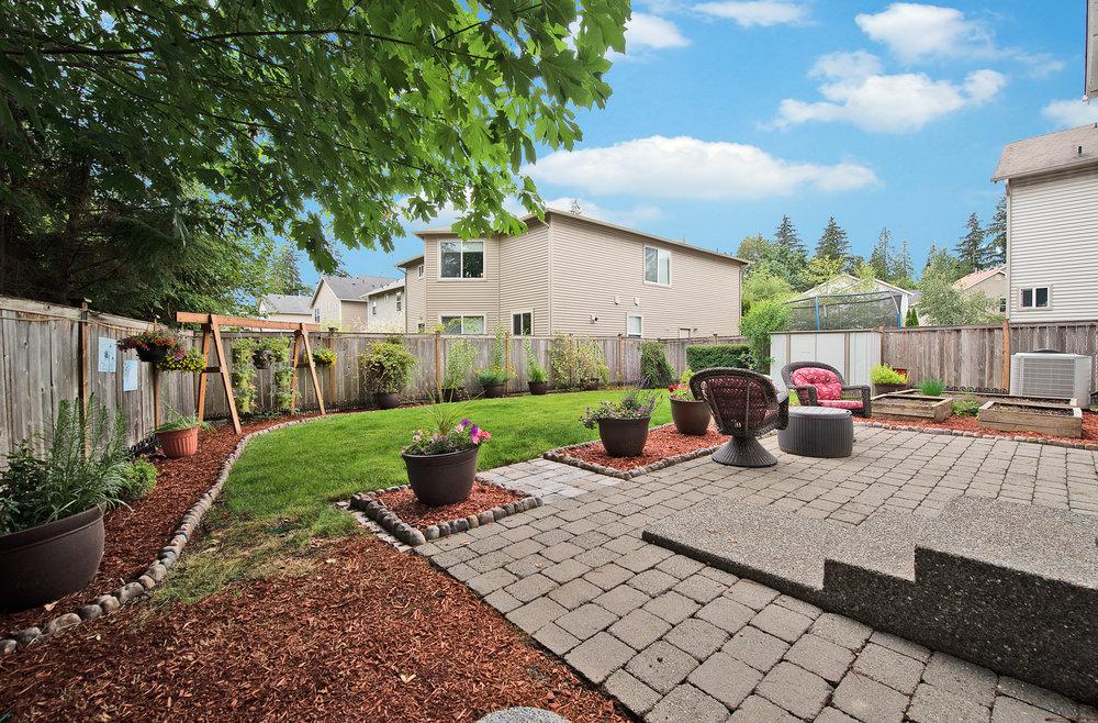 20b-backyard.jpg