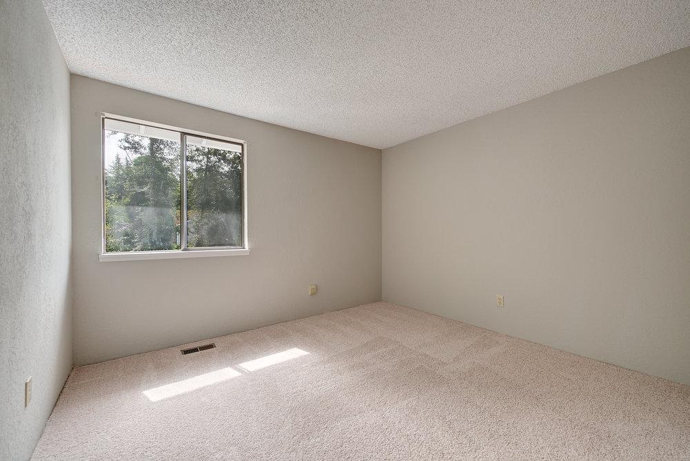 10b-bedroom-2.jpg