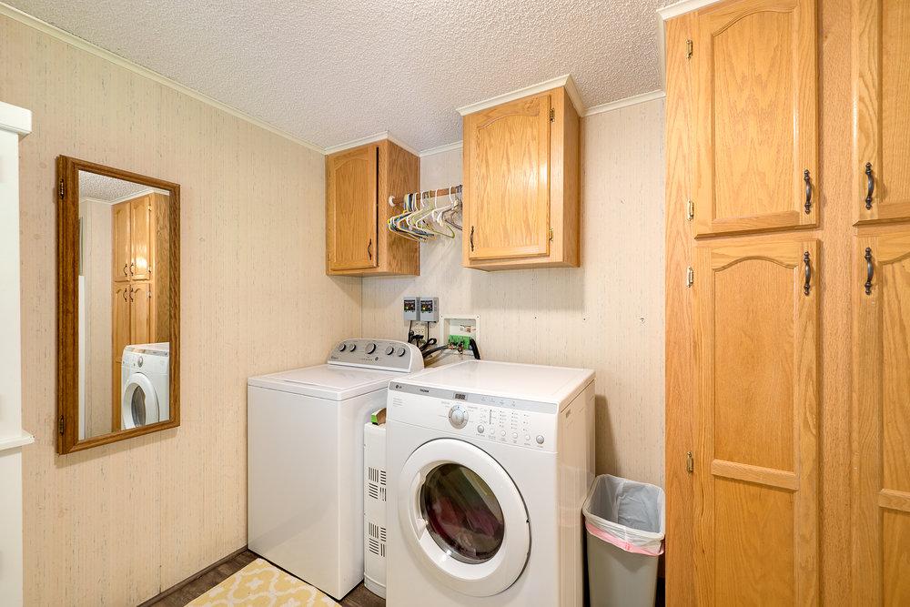 8a-laundry-mud-rm.jpg
