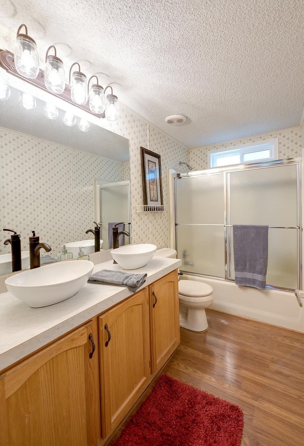 7b-hall-bath-v.jpg