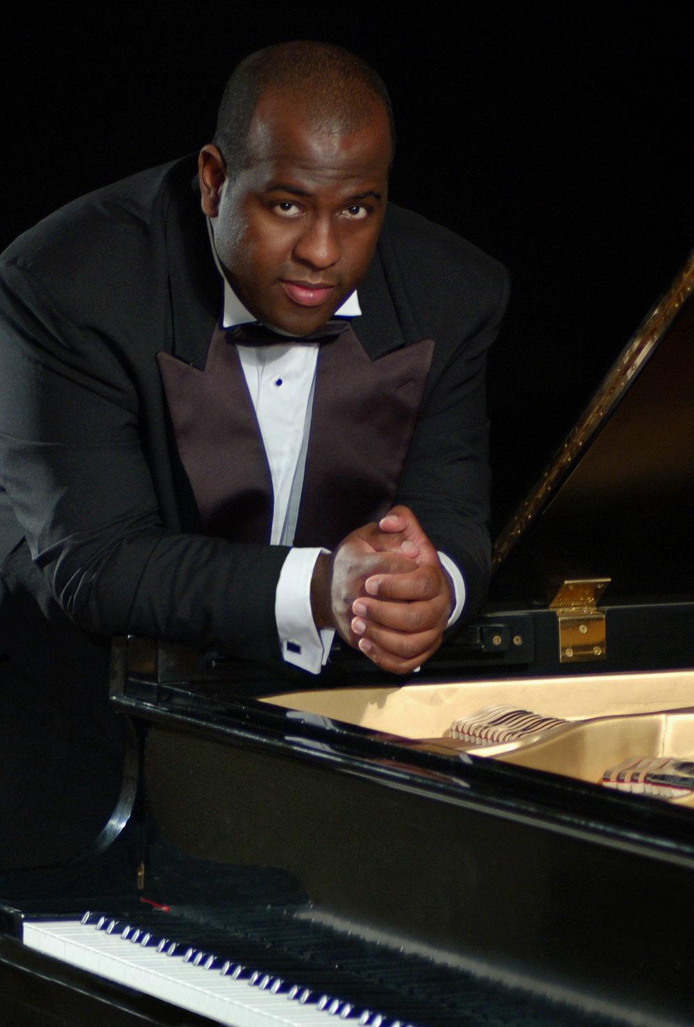 Adonis Gonzalez - CONCERT PIANIST
