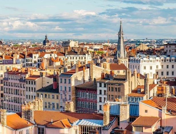 Bordeaux, France - (2 SPOTS)