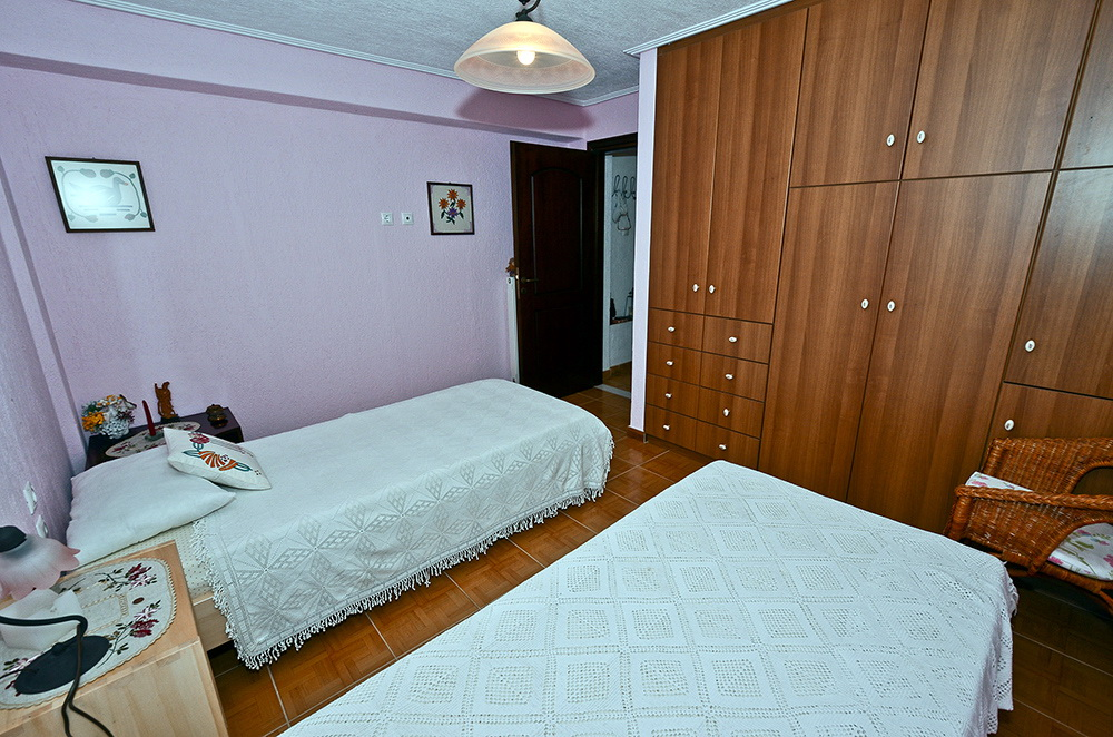 bedroom loutsa 1.jpg