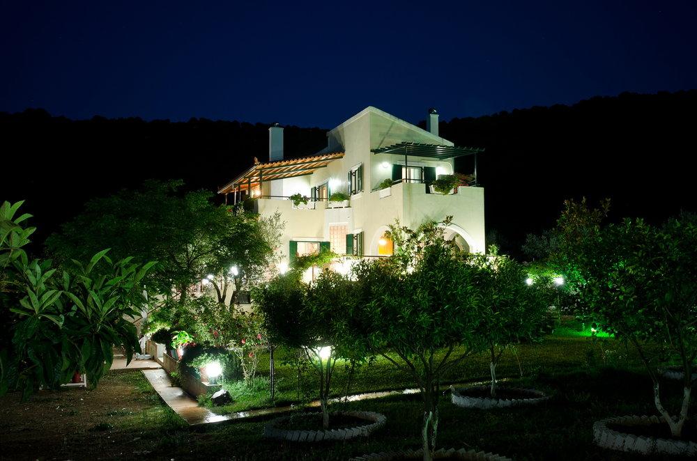 villa loutsa 3.jpg