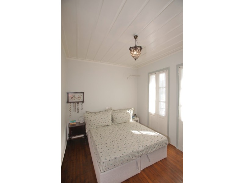 small_house_in_the_center_of_skopelos_bedroom_1.jpg