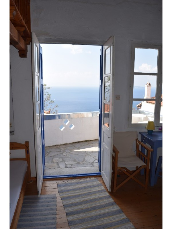 charming_house_with_stunning_view_in_old_klima_doors.jpg