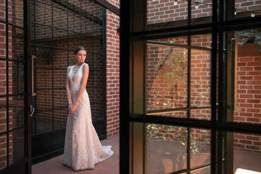 brisbane-wedding-photographer-factory-51-06.jpg