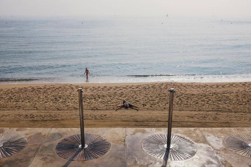 Barcelona-Travel.jpg