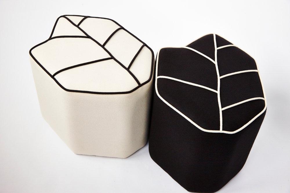 leafseat_pouf-blackwhite-03.jpg