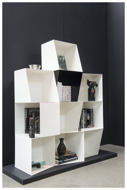 bookcase_totem01.jpg