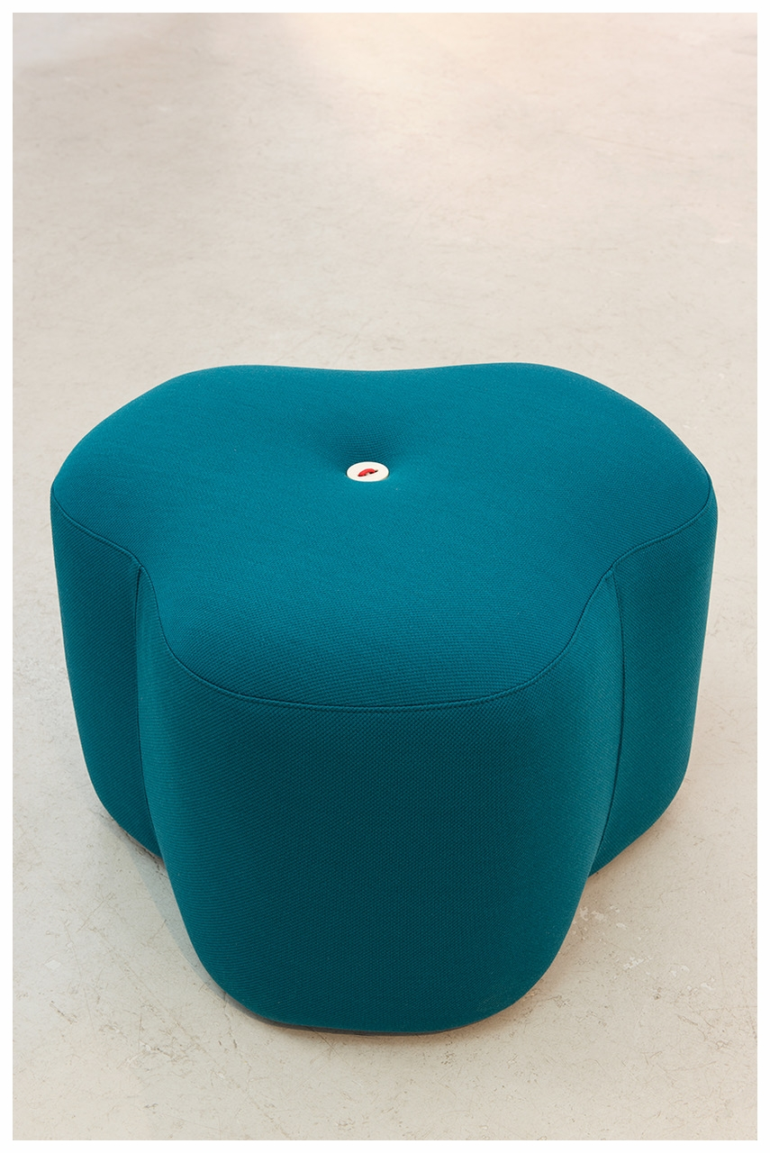 _Designbynico Poppy Bloom Stool petrol.jpeg