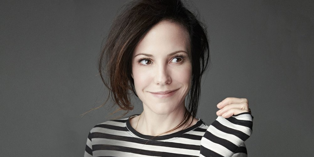 1445282466-mary-louise-parker.jpg