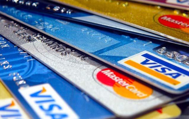 Kredi Kartı - Bankalar Eurocard/Mastercard, VISA, American Express ve Eurocheque kabul etmektedir.