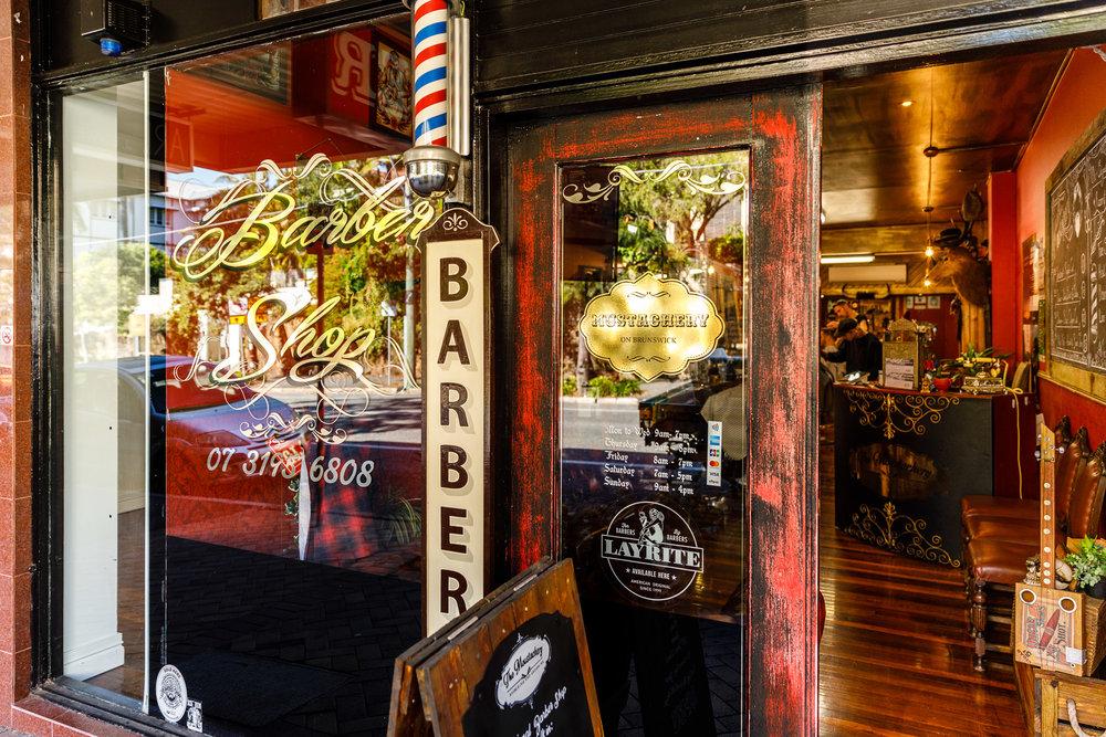 Barber Shop (250m)