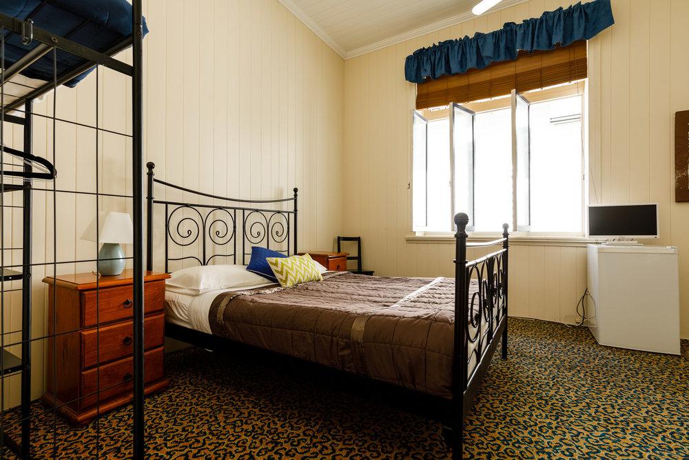 Room 4 - Queen/Family Room