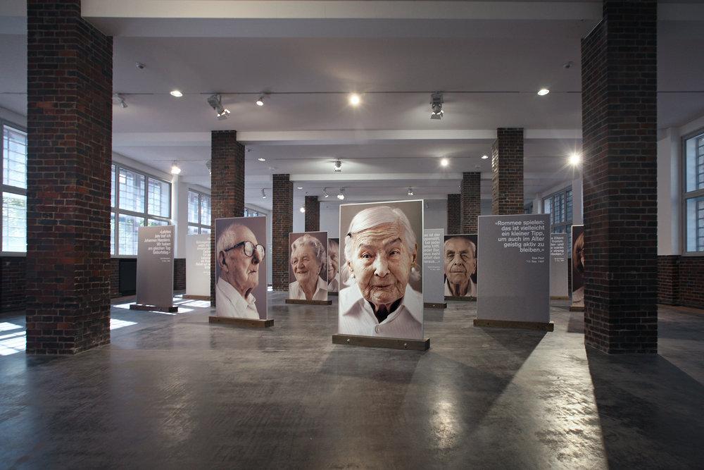 Jahrhundertmensch, Zollamtsaal, Frankfurt a. M., 2010