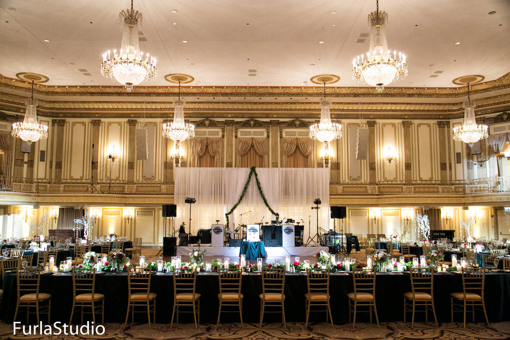 Palmer House Hilton Wedding Photos Chicago Wedding | Chicago Wedding Planner | Your Day by MK