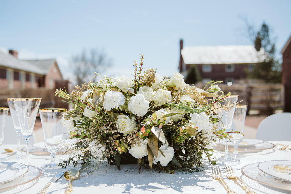 White and Gold Centerpiece