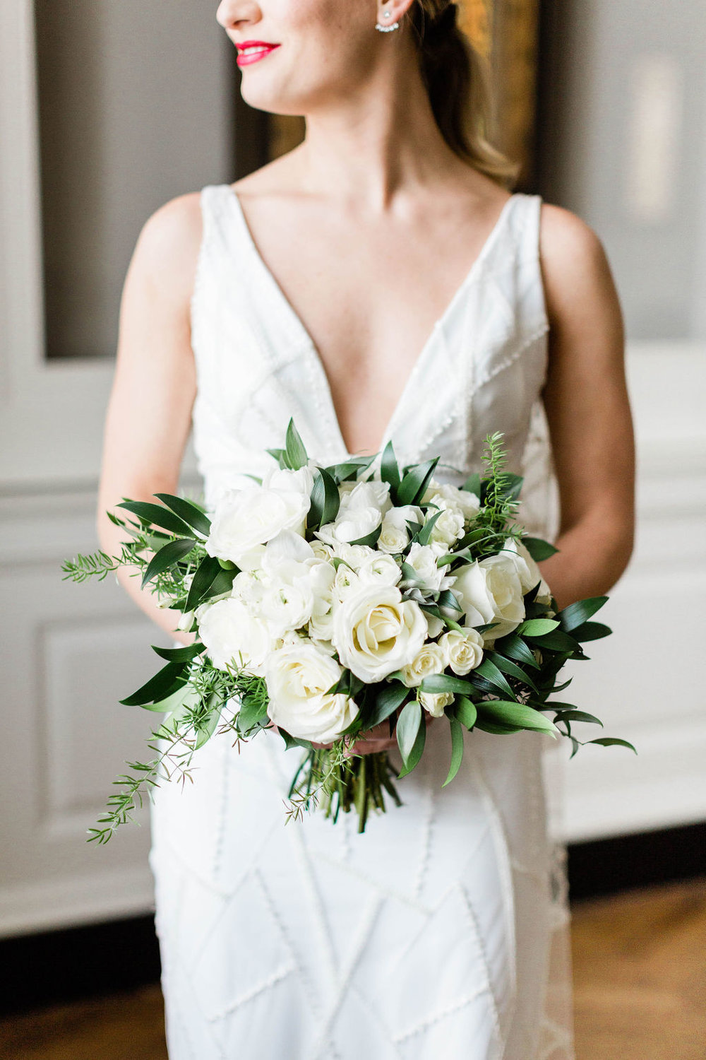 White Rose Bouquet | Varca Bridal | Chicago History Museum | Black and White Wedding | Black Tie Wedding | Your Day by MK | Chicago Wedding Planner |