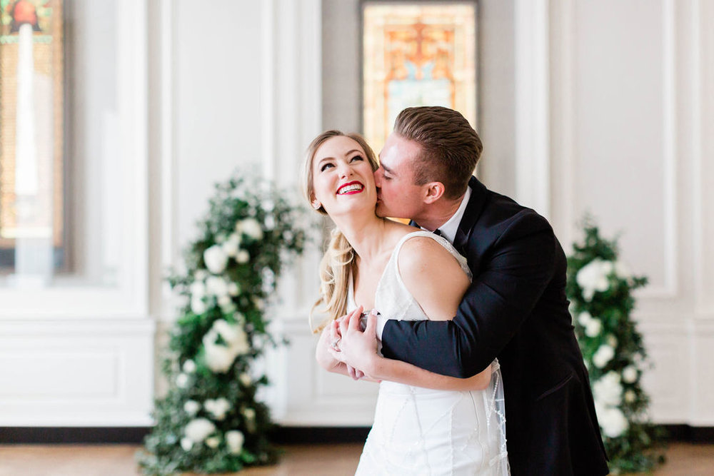 Red Lipstick wedding makeup | Chicago History Museum | Black and White Wedding | Black Tie Wedding | Your Day by MK | Chicago Wedding Planner |