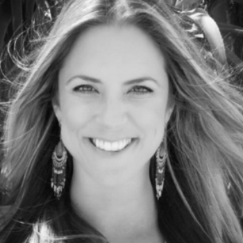 Kayt Pattee, LMFT    Kayt helps  couples  to reconnect. She takes a warm, kind and welcoming approach with her clients. Kayt also helps  creative adults  find their voice, passion and confidence.