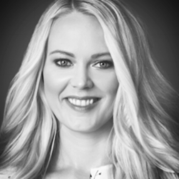 Ashley Ellis, LMFT    Ashley helps people really begin to love themselves. She is passionate about helping people get back into a healthy relationship with their sense of self and help them to  feel comfortable in their skin.