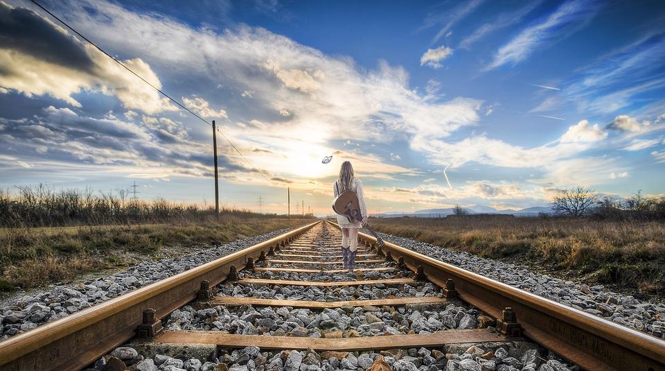 rail-2803725_960_720.jpg