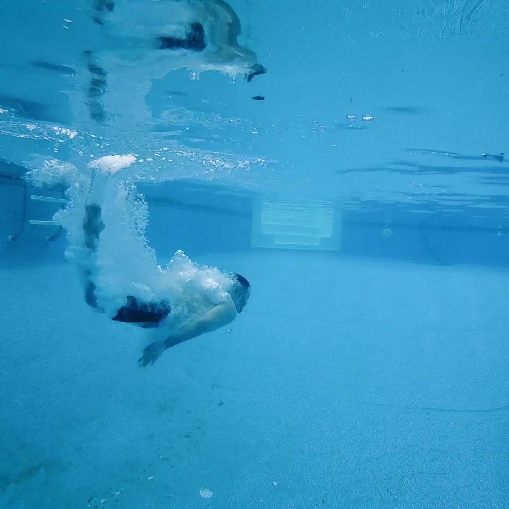 Underwater Aaron.png