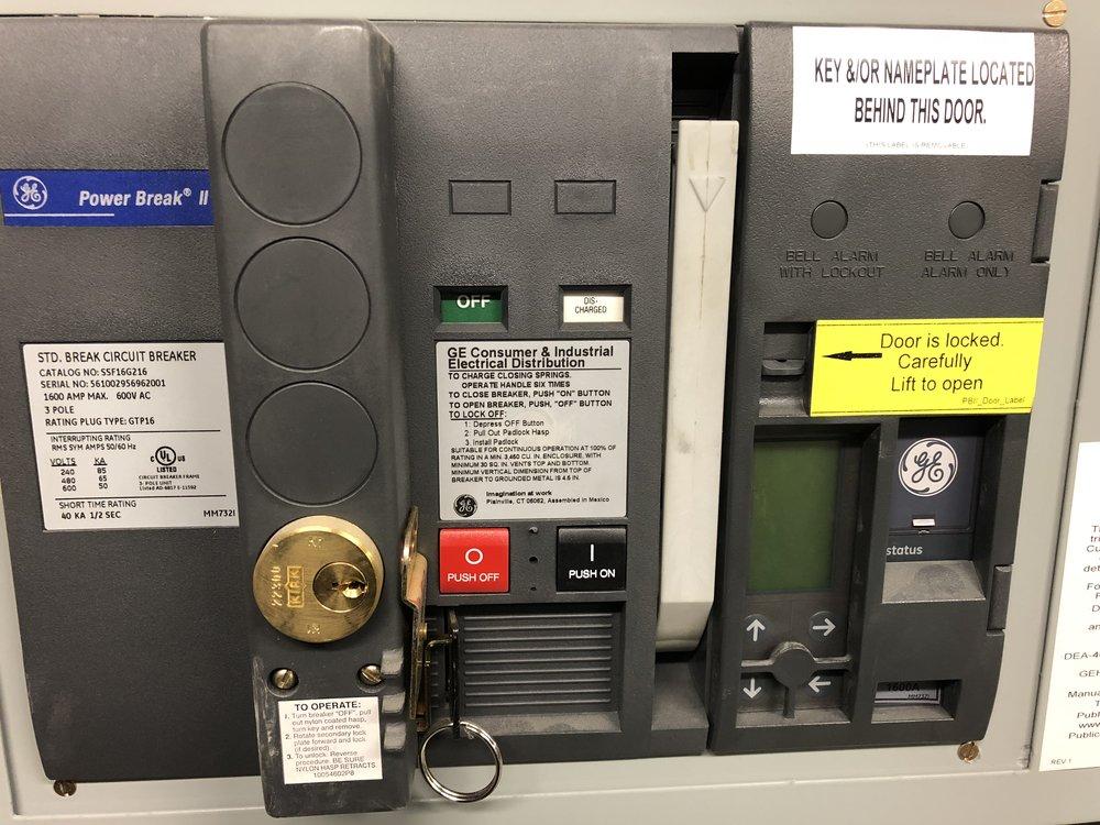 1594 - CUNY Data Ctr - SS-TA 1600A Tie-breaker.JPG