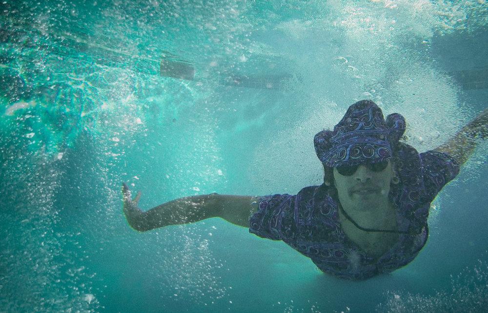 Aleck-falling-into-pool.jpg
