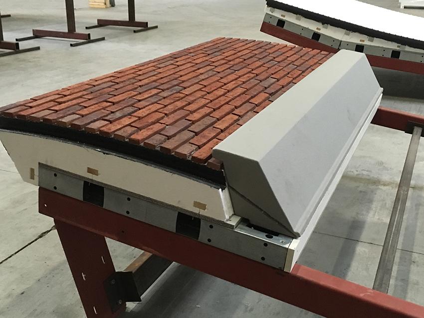 dongen-prefab-elementen-e-board-project-dongen-montagehal-met-raamkozijn-5a991c4f88196.jpg